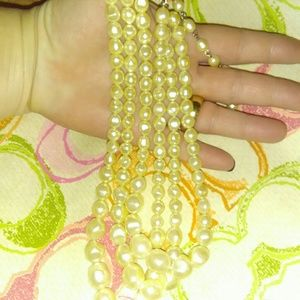 3 stranded pearl Necklace